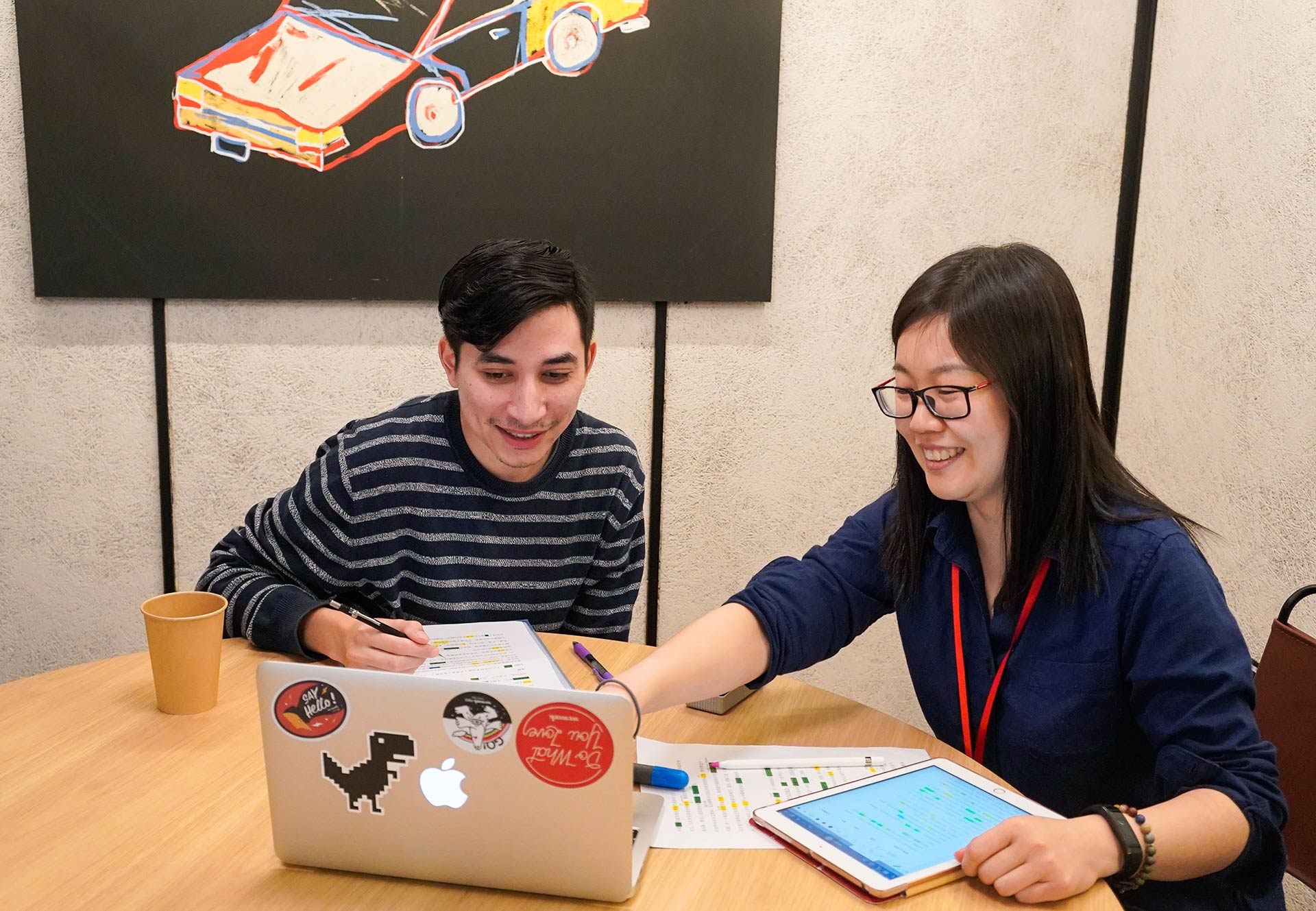 Teacher gives student Chinese lessons on a laptop