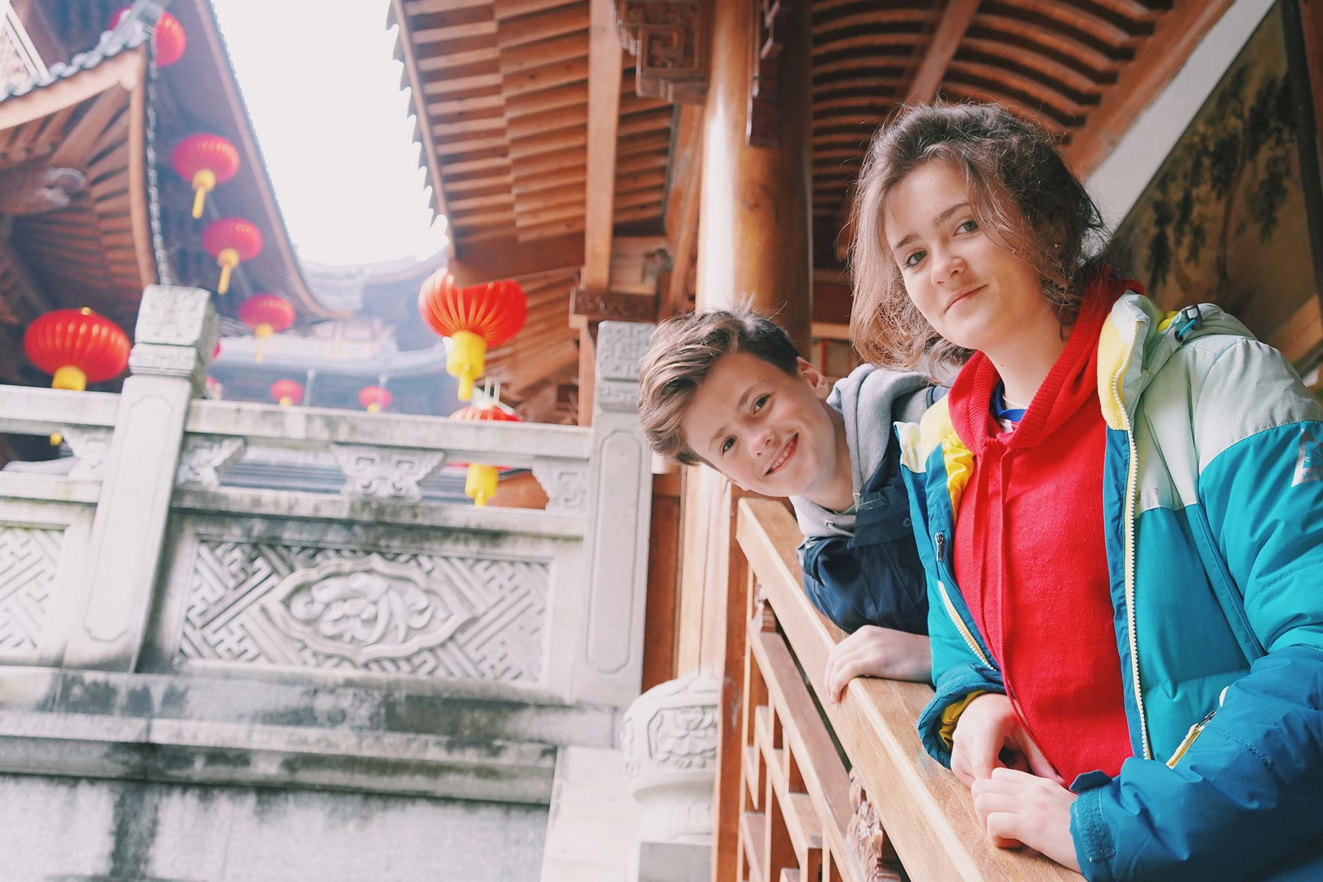 2 students at a chinese temple to learn Mandarin
